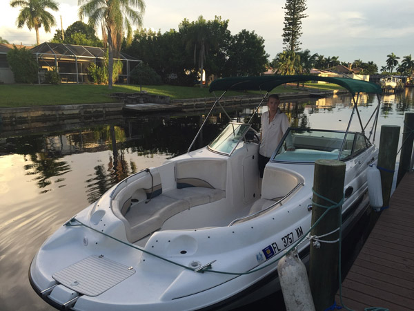 24 Foot Chaparral Sunesta 233 Deck Boat Boat Rental